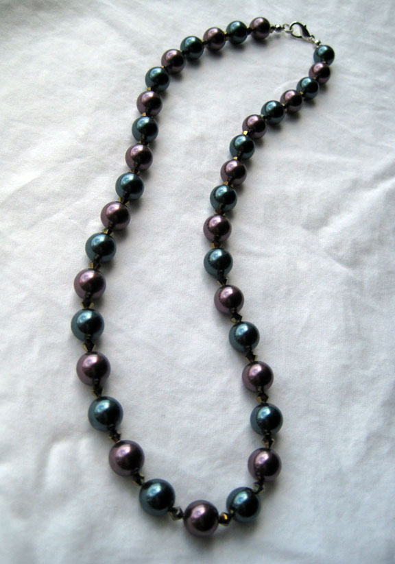 Glass pearl necklace by Tracy